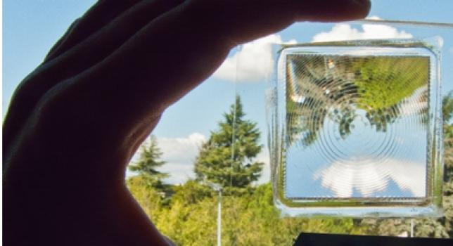 Patentada una lente que optimiza la concentración fotovoltaica
