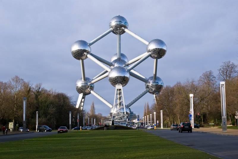 Papeleras solares inteligentes en Bruselas
