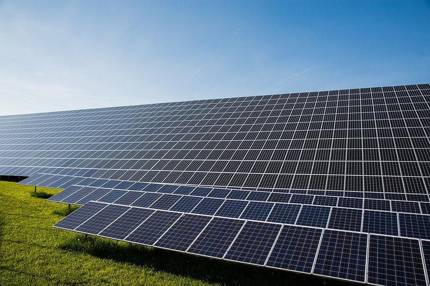 Reino Unido a la cabeza de potencia solar instalada en 2016