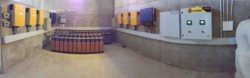 Instalación fotovoltaica trifásica aislada de 48kWp. en granja avícola en Juneda (Lleida).