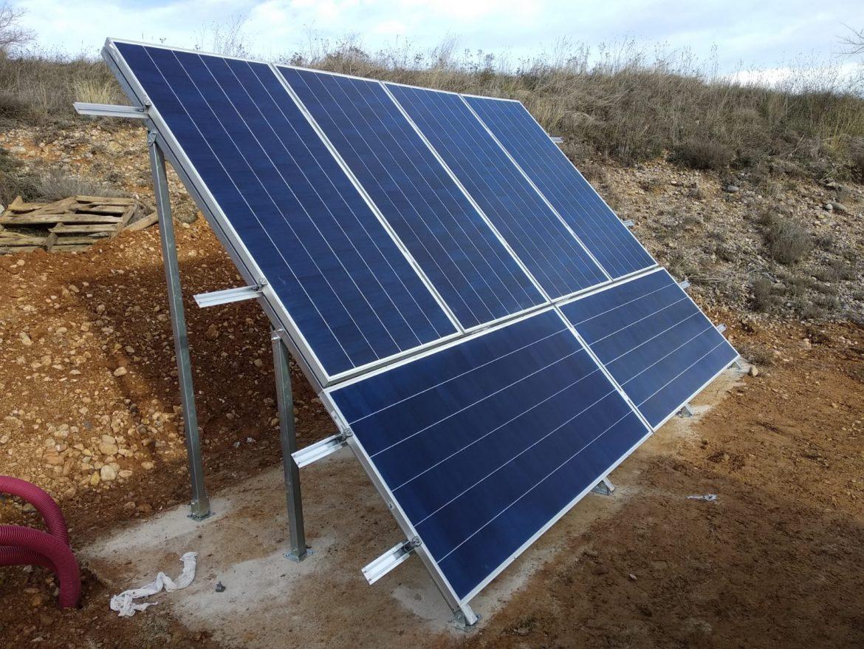 Nuestra primera instalación con baterías de ion-Litio, en unos viñedos en el Pallars Jussà  (Lleida).