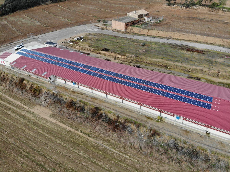 Instalación aislada con suministro fotovoltaico