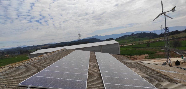 Instalación abastecida única y exclusivamente de energías renovables
