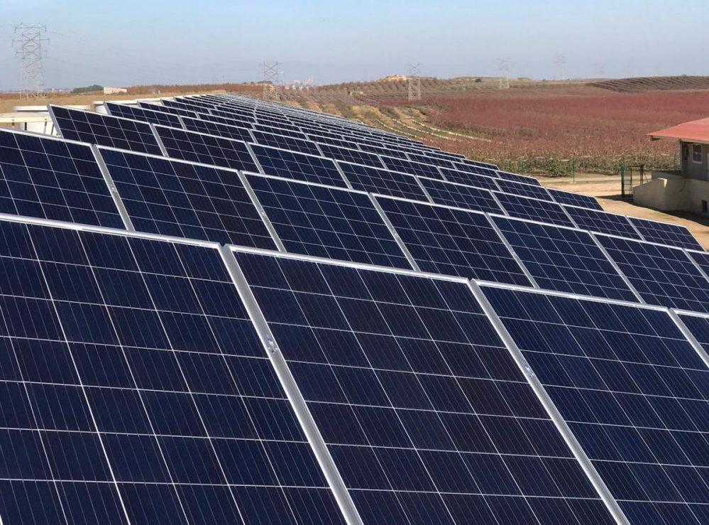Instalación fotovoltaica con elementos de Ion-Litio