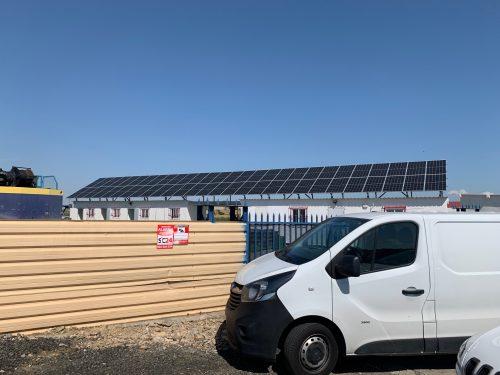 Instalación solar fotovoltaica aislada trifásica